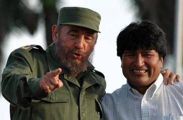 """Haben sich dem """"Manifest zur Verteidigung Palästinas"""" angeschlossen: Kubas Revolutionsführer Fidel Castro und Boliviens Boliviens Evo Morales,"""