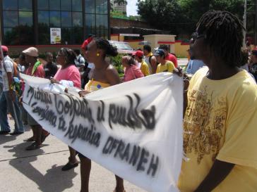 Protestaktion der Garífuna-Organisation OFRANEH gegen systematischen Landraub und Menschenrechtsverletzungen