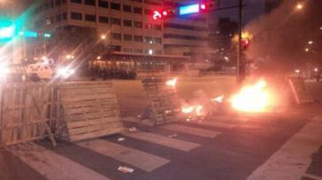 Brennende Barrikaden in Caracas.