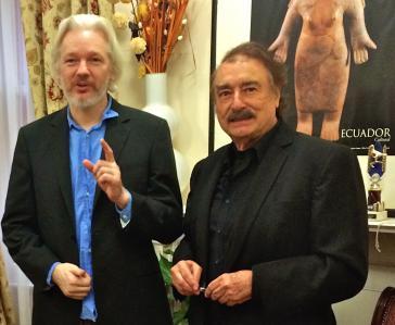 Juliane Assange und Ignacio Ramonet in der ecuadorianischen Botschaft in London am 24. Oktober 2014