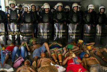 Protest vor dem Parlament in Brasília gegen die Verfassungsänderung