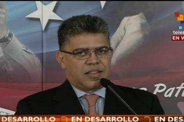 Venezuelas Außenminister Elías Jaua bei der Pressekonferenz am Montag