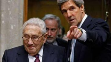 "Noch immer als ""Berater"" der US-Politik geschätzt: Henry Kissinger, hier mit Außenminister John Kerry im September 2013"