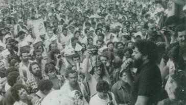 Da Silva (rechts am Mikrofon) als politischer Aktivist