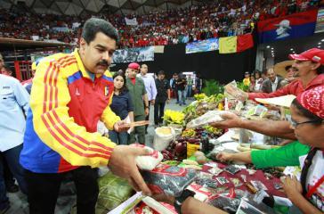 Präsident Maduro bei einem Treffen mit Vertretern der Kommunen in Caracas