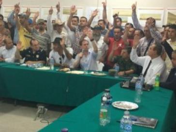 Treffen zwischen der mexikanischen Regierung und Vertretern der  Selbstverteidigungs-Gruppen  von Michoacán