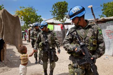 Nicht alle Einwohner auf Haiti begrüßen den Einsatz der UN-Truppen in ihrem Land