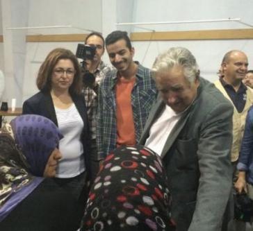 Uruguays Präsident José Mujica begrüßt syrische Flüchtlinge