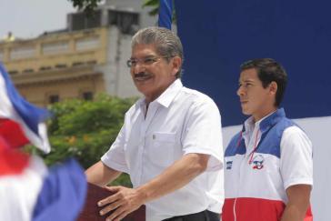... und sein größter Gegner, der Kandidat der ehemaligen Regierungspartei ARENA, Norman Quijano