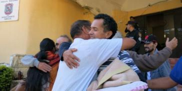 Rubén Villalba, hier bei der bedingen Freilassung in den Hausarrest, wurde am gleichen Tag wieder verhaftet und setzt den Hungerstreik fort