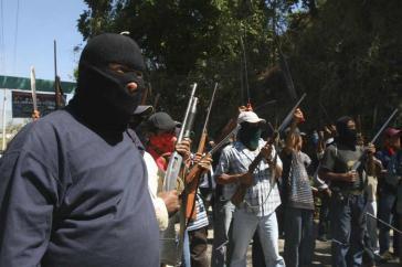 Angehörige einer Einheit der Policias Comunitarias in Michoacán