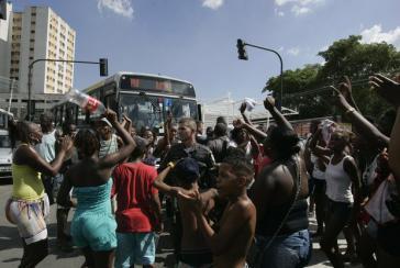 Proteste in Rio nach dem Tod von Claudia Silva Ferreira