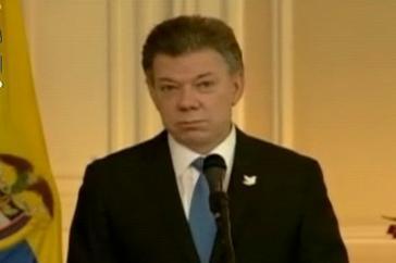 Präsident Santos gibt bekannt, dass er Gustavo Petro wieder in sein Amt einsetzt