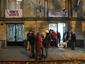 In der Wahlnacht vor dem Sitz der Frente Amplio in Montevideo