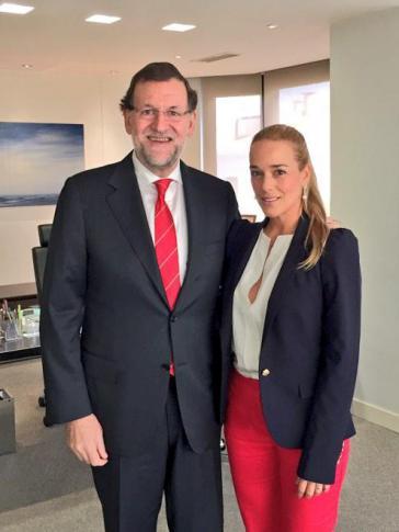 Spaniens Ministerpräsident Rajoy und die Ehefrau des inhaftierten Oppositionspolitikers Leopoldo Loṕez, Lilian Tintori, bei ihrem Treffen am 22. Oktober in Madrid
