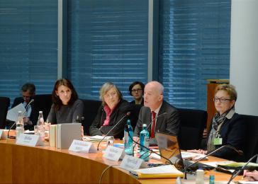 Sitzung des Umweltausschusses des Bundestags, hier mit Vorsitzender Bärbel Höhn (Bündnis 90/Die Grünen, 3.v.l.)