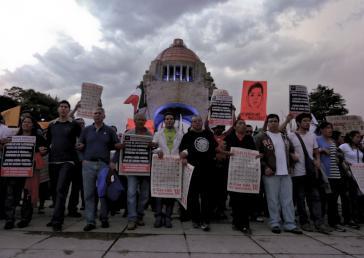 Angehörige der 43 verschwundenen Studenten demonstrieren in Mexko-Stadt