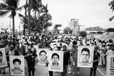 Demonstration von Angehörigen und Kommilitonen der 43 verschwundenen Studenten