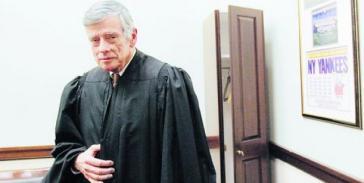 US-Richter Griesa, der mit seinem Urteil den argentinischen Schuldenstreit angeheizt hatte, setzte Daniel Pollack als Vermittler ein
