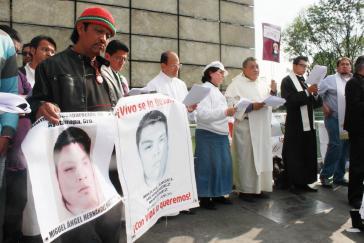 Gottesdienst unter Teilnahme des Menschenrechtsaktivisten und katholische Prieser Alejandro Solalinde (Bildmitte) am Internationalen Aktionstag