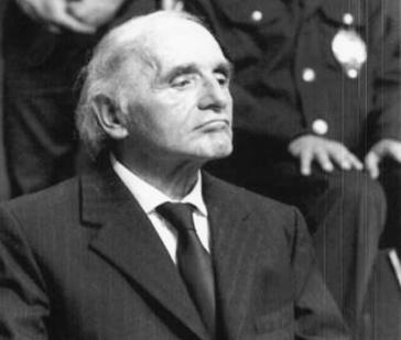 Klaus Barbie 1987 in Lyon vor Gericht