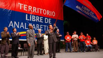 """Bereits 2005 wurde Venezuela von der Unesco zum """"Territorium frei von Analphabetismus"""" erklärt"""