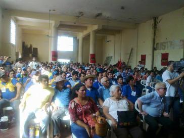 Versammlung von Mitgliedern verschiedener Gewerkschaften am 12. November in Asunción. Der Generalstreik soll am 18. Dezember beginnen