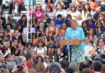 Präsidentin Bachelet am Frauentag