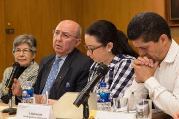 Piedad Mancero, Luis Gallegos und Pablo Fajardo beim Symposium