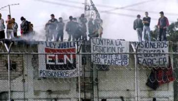 Gefangene aus den Guerillabewegungen Farc und ELN streiken und fordern sofortige Freilassungen sowie ein Ende der humanitären Katastrophe in den Gefängnissen
