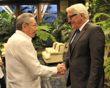 Kubas Präsident Raúl Castro und Frank-Walter Steinmeier