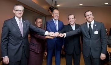 Russlands Außenminister Lawrow (Mitte) mit Amtskollegen aus Lateinamerika und der Karibik