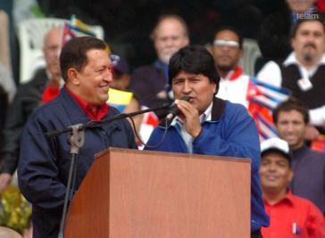 Hugo Chávez und Evo Morales, damals noch Präsidentschaftskandidat der Bewegung zum Sozialismus in Bolivien, beim Völkergipfel in Mar del Plata