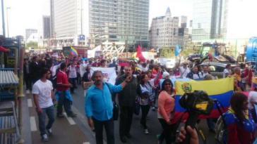 Demonstranten des Gipfels der Völker