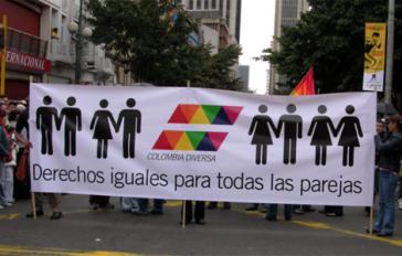 """""""Gleiche Rechte für alle Paare"""" - Transparent der Organisation Colombia Diversa"""