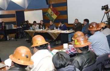 Vertreter von Regierung und Comcipo haben erste Vereinbarungen getroffen