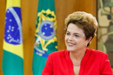 Brasiliens Präsidentin Dilma Rousseff, hier während eines Interviews mit dem Fernsehsender TV France 24 am 5. Juni 2015