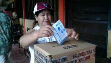 In Beni waren knapp 227.000 Menschen, in Tarija rund 328.000 Menschen zur Wahl aufgerufen