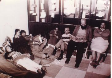 Luis Espinal (dritter von rechts) während des Hungerstreiks 1977