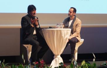 Evo Morales im Gespräch an der TU mit Amerika21-Redakteur Harald Neuber
