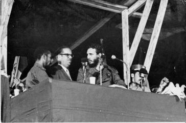 Am 6. August 1960 verkündete Fidel Castro beim ersten Lateinamerikanischen Jugendtreffen in Havanna das Gesetz zur Nationalisierung von Besitztümern US-amerikanischen Bürger und Unternehmen