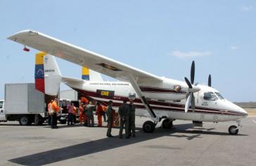 Die Hilfsgüter mussten mit Kleinflugzeugen nach Dominica gebracht werden