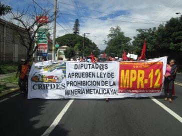 Demonstration gegen den Goldabbau in El Salvador.