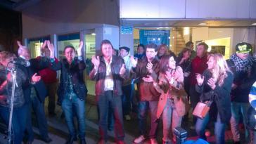 Anhänger des sozialistischen Parteibündnisses Frente Progresista Cívico y Social (FPCyS) feiern den Wahlsieg