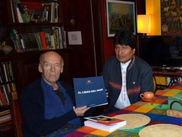 Boliviens Präsident Evo Morales am 1. März dieses Jahres zu Besuch bei Galeano in seinem Haus in Montevideo