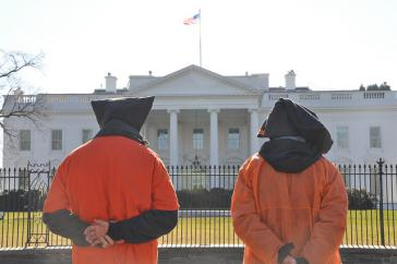 Protest vor dem Weißen Haus in Washington gegen das US-Gefangegenlager in Guantánamo Bay