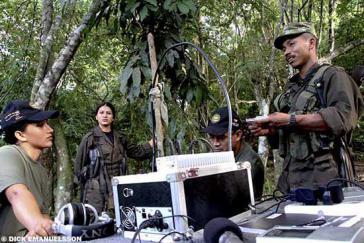 Radiostation in einem Lager der FARC