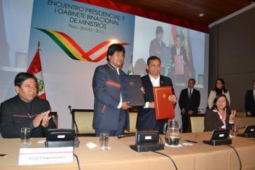 Die Präsidenten Boliviens und Perus beim Treffen in Puno