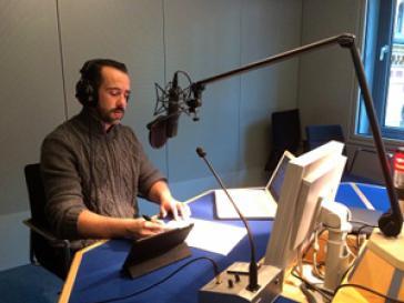 Amerika21-Redakteur Harald Neuber bei der Live-Schalte im Berliner ARD-Hauptstadtstudio