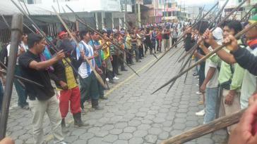 Shuar und Achuar-Indigene am Donnerstag in der Provinzhauptstadt Macas